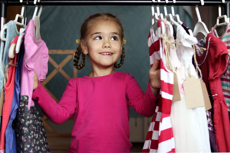 8 WAYS YOUR FAMILY CAN SPREAD GOODWILL
