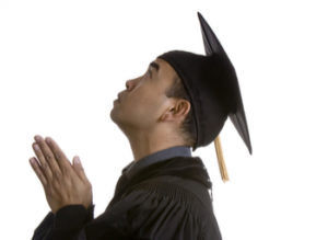 graduating student praying featured